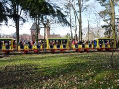 Zug an der Osterhasenwiese